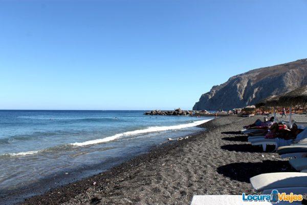 playas-santorini-kamari
