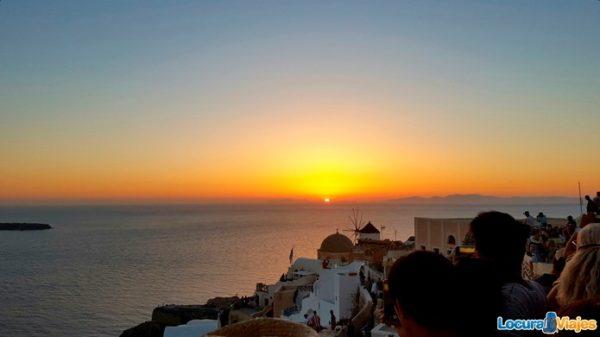 sunset-santorini-oia