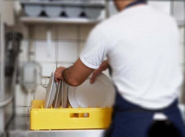 trabajar-en-londres-sin-visado-lavaplatos