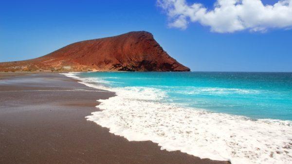 playas-tenerife-montan%cc%83a-roja-playas