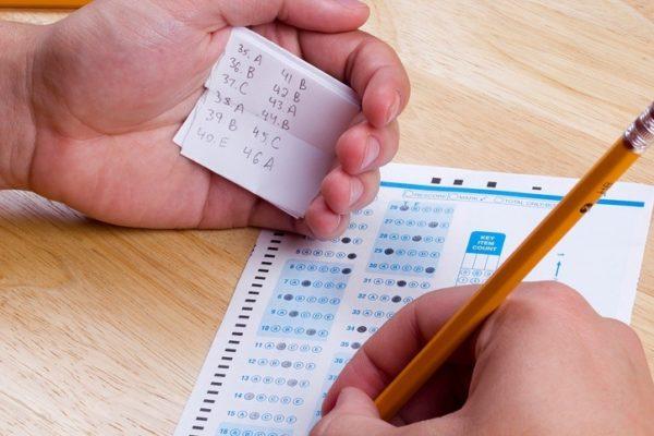 Que ocurre cuando copias en un examen en diferentes paises