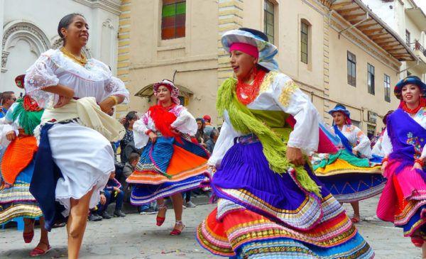 Trajes tipicos ecuador fiesta