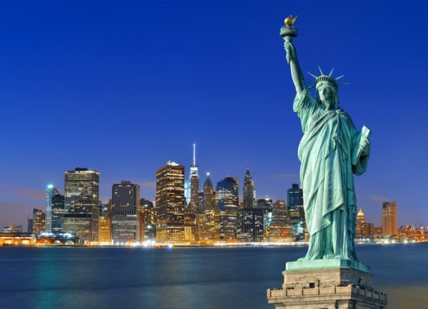 new-york-pass-city-pass-comparativa-manhatan-estatua-de-la-libertad-istock