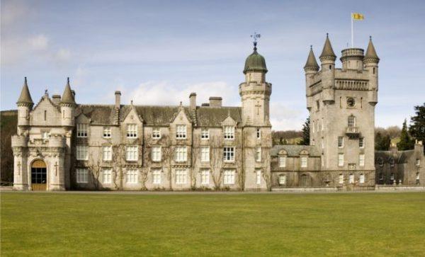 mejores-castillos-de-escocia-castillo-balmoral-istock