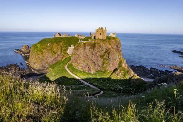 mejores-castillos-de-escocia-castillo-dunnotar-istock