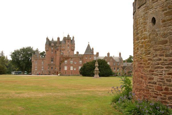mejores-castillos-de-escocia-castillo-glamis-istock