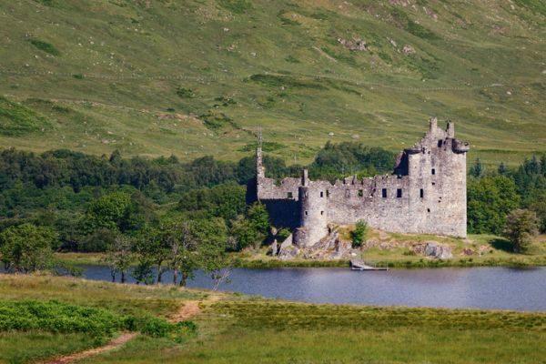 mejores-castillos-de-escocia-castillo-kilchurn-istock