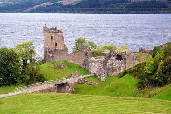 mejores-castillos-de-escocia-castillo-urqhart-istock