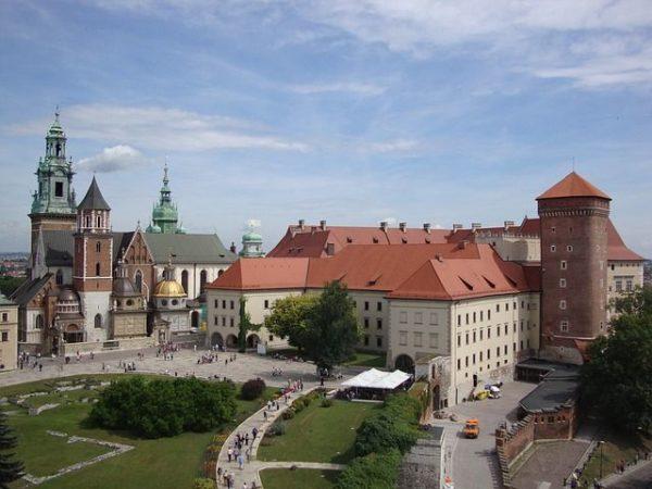 ciudades-mas-baratas-para-viajar-por-europa-cracovia-pixabay