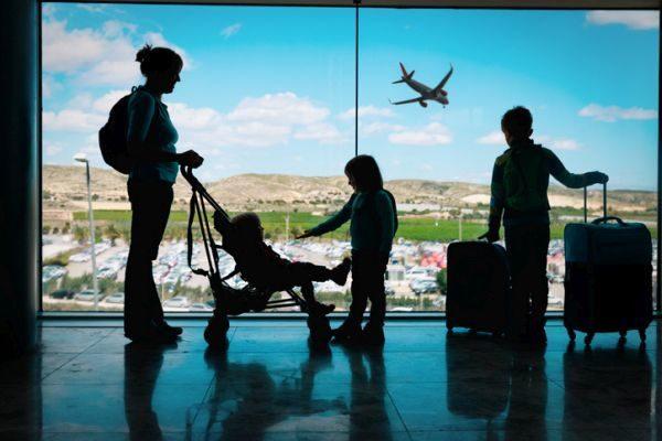 los-5-mejores-destinos-europeos-para-viajar-con-ninos-istock