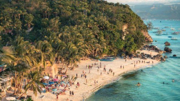 que-hacer-en-filipinas-en-12-dias-boracay-istock2