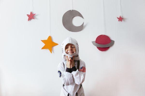 que-hacer-en-madrid-con-ninos-astronauta-istock
